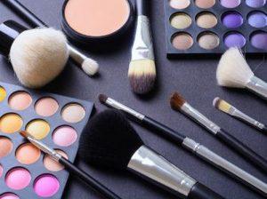 tips mengemas kosmetik